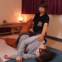 リラクゼーション(全身マッサージ)_施術シーン3-1